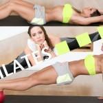 Pilates με μπάλα από τη Μάντη Περσάκη! Το μυστικό σου -και δεκάδων celebrity- για επίπεδη κοιλιά