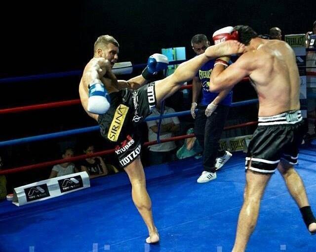 Ο Πρωταθλητής Αλέξανδρος Νικολαΐδης προπονητής kick boxing στα PbM